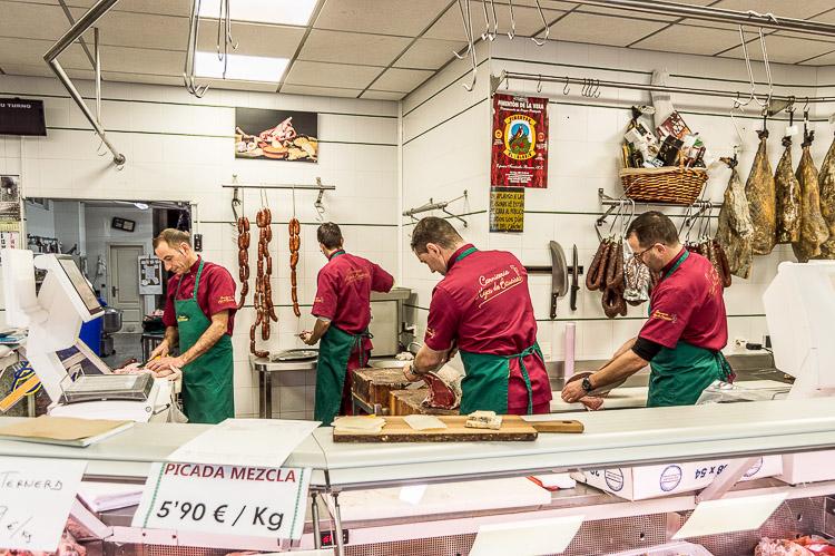 Fachada carnicería Hijos de Bautista